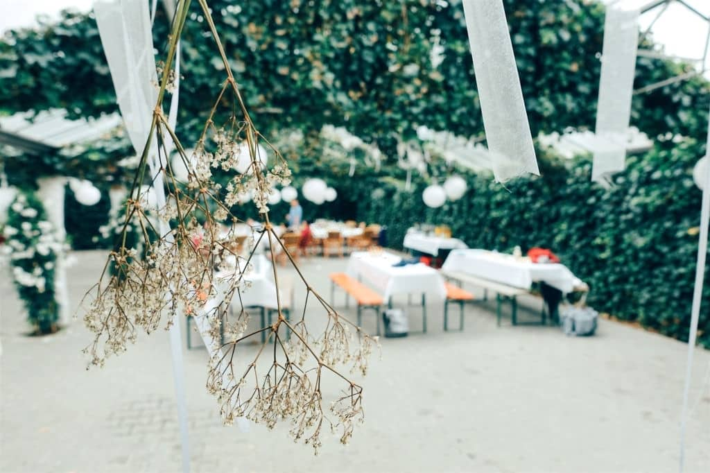 How Do I Keep My Wedding Easy - Planning A Simple Wedding (2)